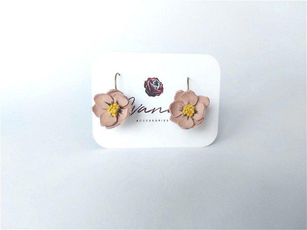 Cercei floare roz prafuit