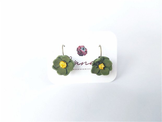 Cercei floare verzuie