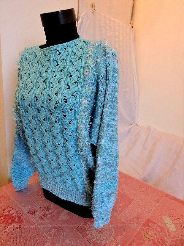 bluza pulover albastru tricotat manual cu maneca chimono