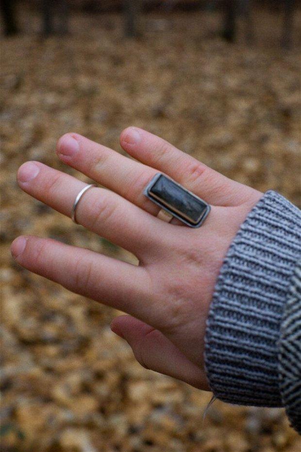 Inel din argint cu Labradorit