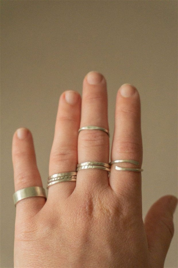 Inel din argint cu linii
