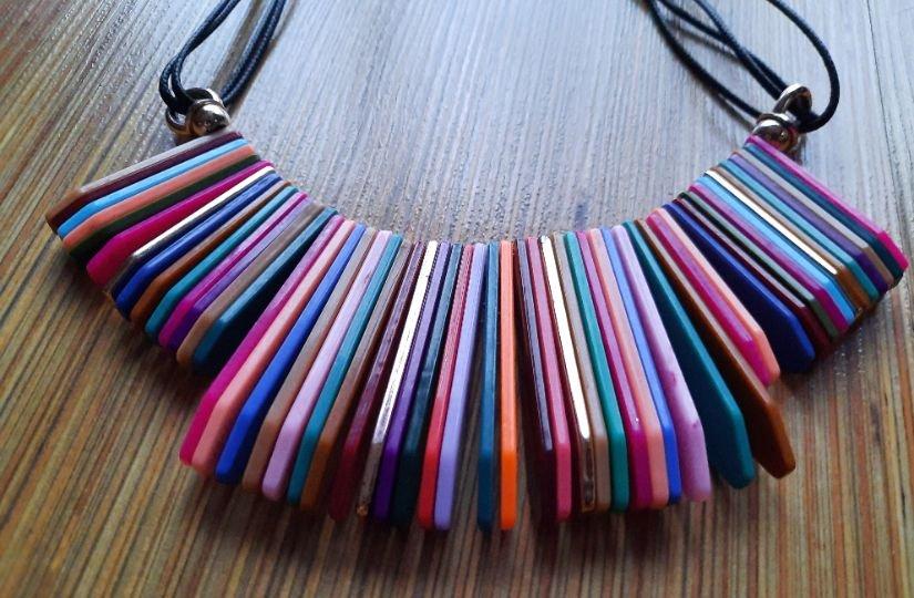Colier colorat