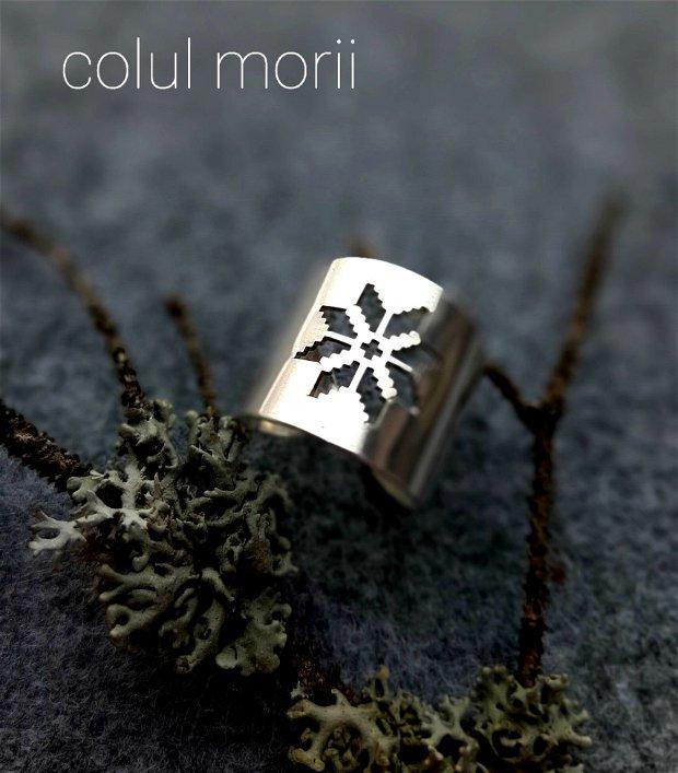 Inel reglabil, lat din argint 925 cu simbol românesc Colul Morii