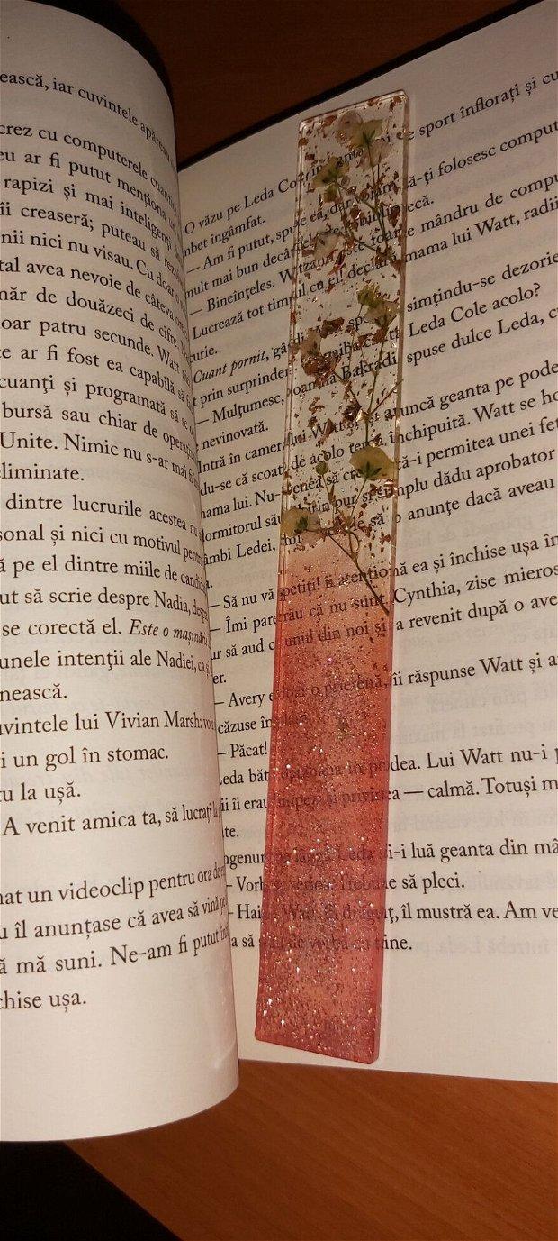 Semne de carte din rășină cu foiță de aur