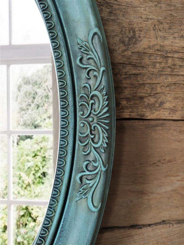 Oglinda ovala de perete
