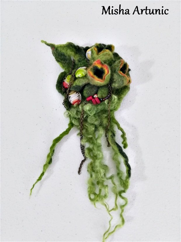 Brosa impaslita - Abstract
