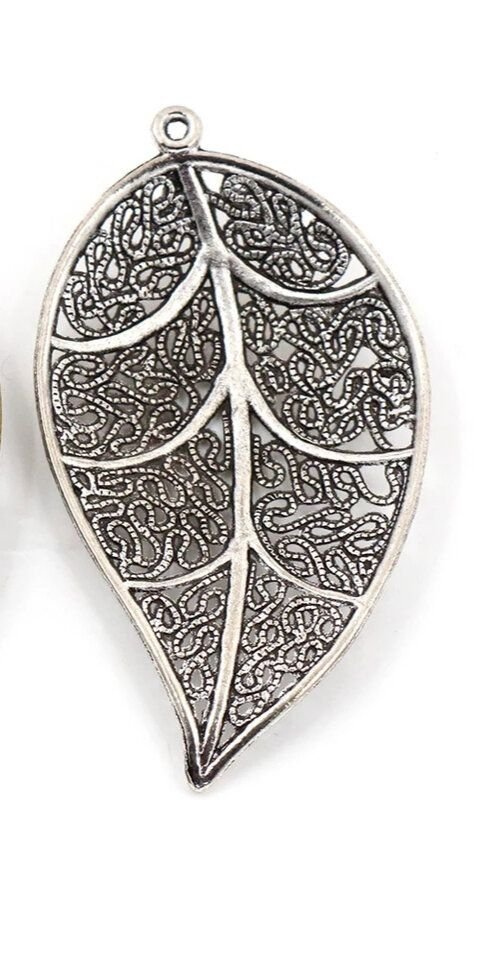 Pandantiv frunză, nuanță argint antic