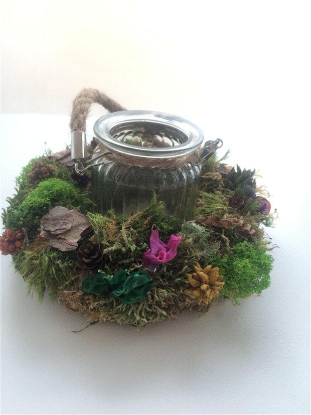 Coronita muschi si licheni, cu flori si plante uscate cu suport sticla lumanare