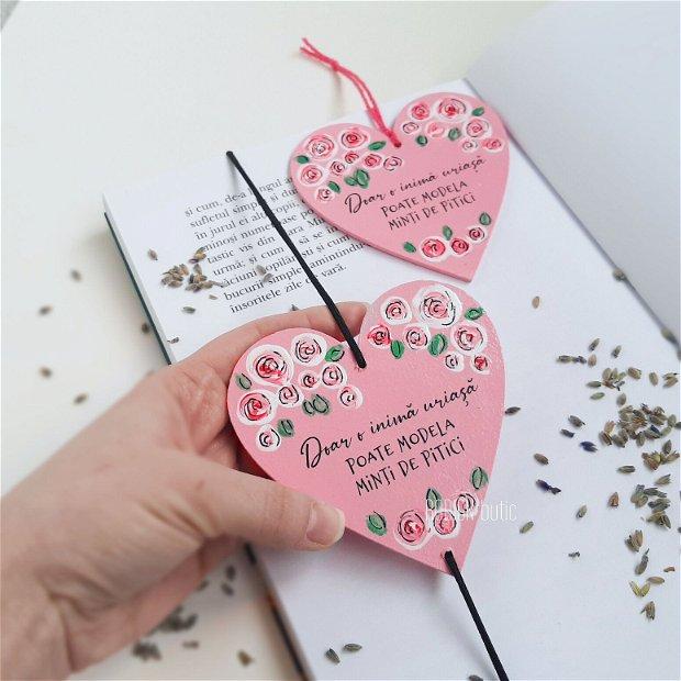 Semn de carte educatoare in forma de inima pictat personalizat