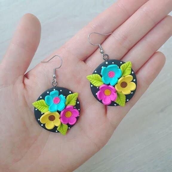 Cercei flori colorate