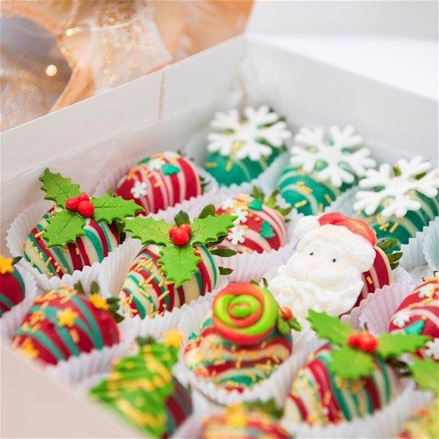 Cutie Căpșuni în ciocolată Crăciun tradițional