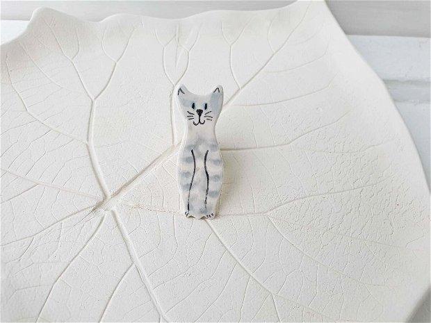 Brosa pisica gri