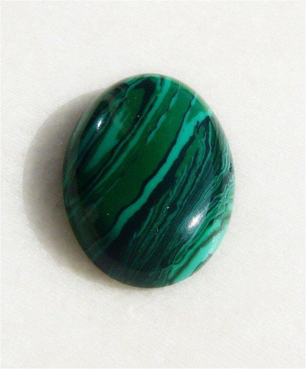 Cabochon malachit sintetic aprox 25x18x6 mm