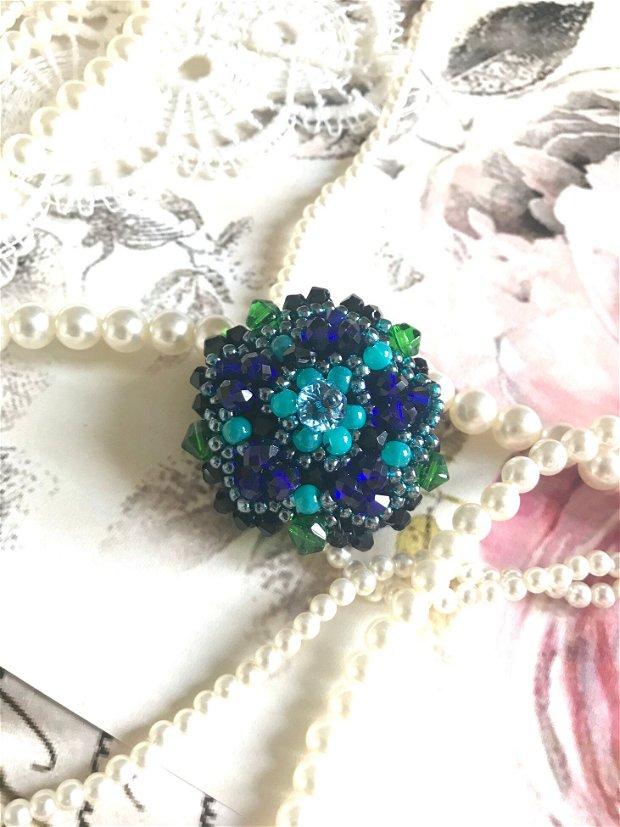 Brosa decorativa cu cristale