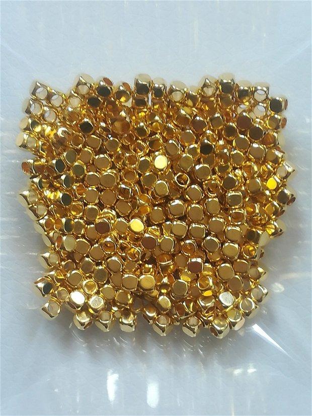 Distantier cubic 3mm, auriu - 1 buc