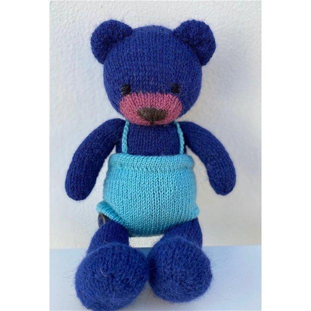 Jucarie ursulet tricotat manual