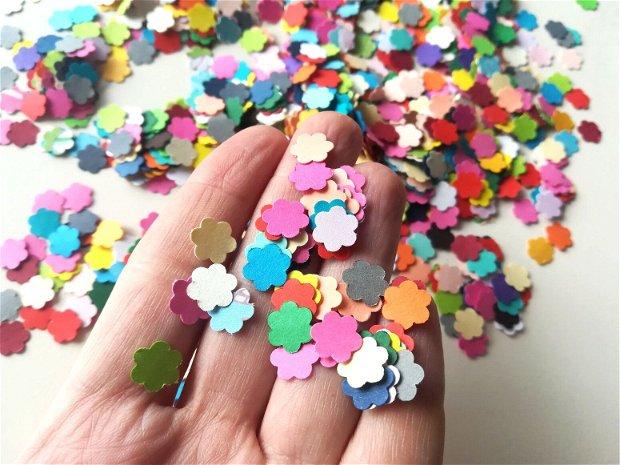 Confetti floricele multicolore
