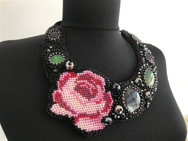 """Colier statement """"Red Rose"""""""