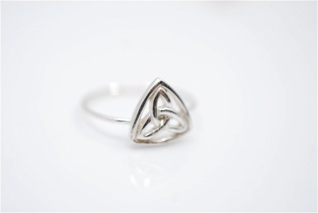 Inel argint 925 cu nod celtic, inel rotund, inel marime mica, inel minimalist