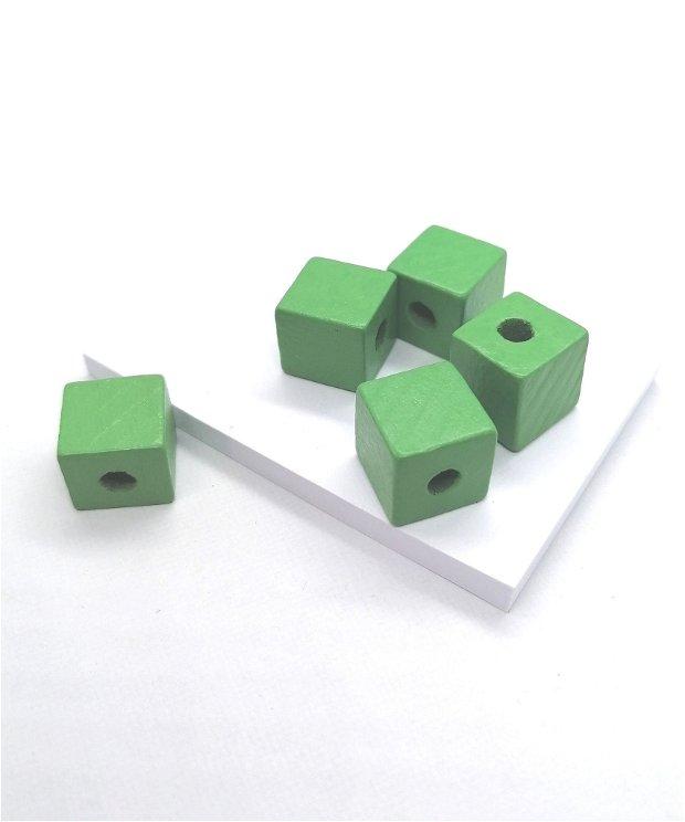 Margele cub lemn vopsit 14mm * verde