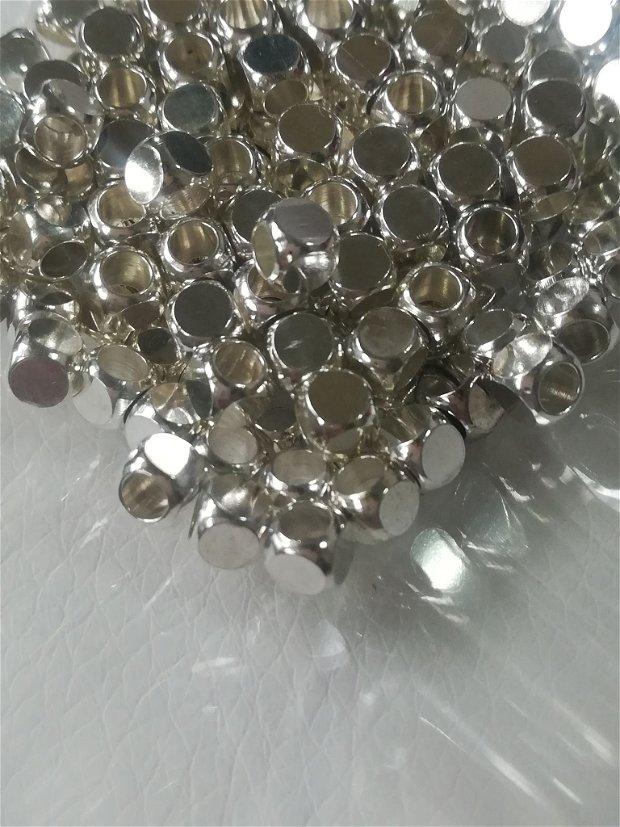Distantier cubic 4mm, argintiu - 1 buc