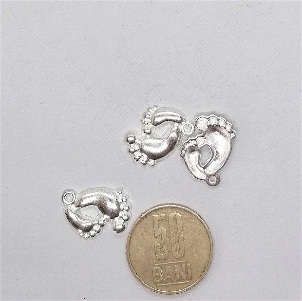Charms / Pandantiv picioruse bebelusi 20mm * argintiu