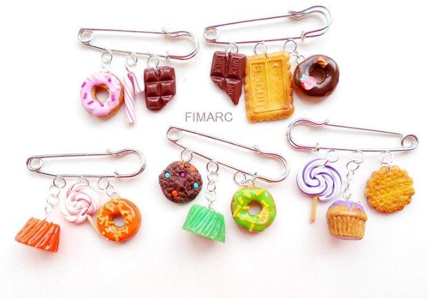 Sweets - brosa pentru articole tricotate:pluovere,esarfe,..etc