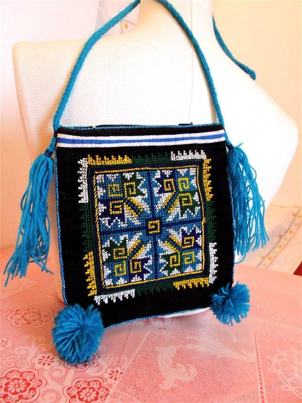 geanta traista negra cusuta manual in cruciulite