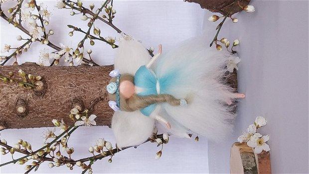 Zâne - figurine confecționate din lână merinos naturală, inspirate din pedagogia Waldorf.