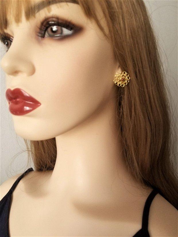 Cercei auriti cu surub-cupru placat cu aur, margele de gold sandstone