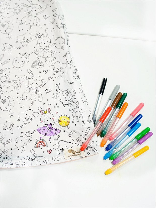 Sarafan copii, roz pudrat,pictat manual, cu doua fete, o fata de colorat cu carioci lavabile incluse