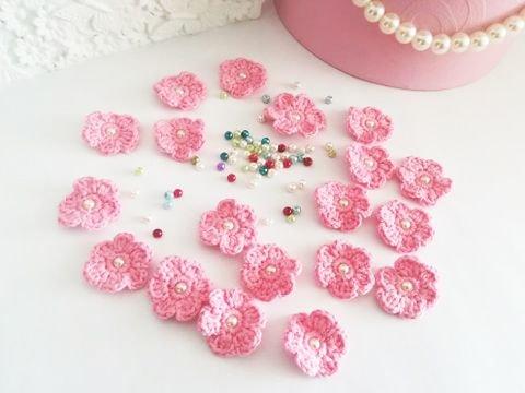 Lot floricele crosetate manual. Aplicatii crosetate. Floricele roz
