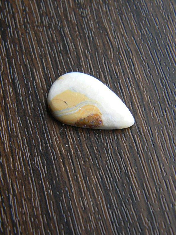 Caboson scheelit (C15)