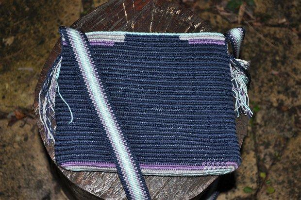 geanta crosetata manual, ornamentata cu motivul popular din Moldova miez de nuca, handmade