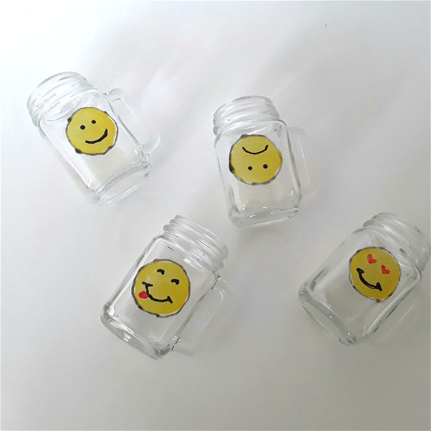 Miniaturi de halbe pahare short-uri distractive