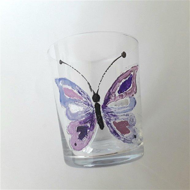 Pahar pictat cu fluture