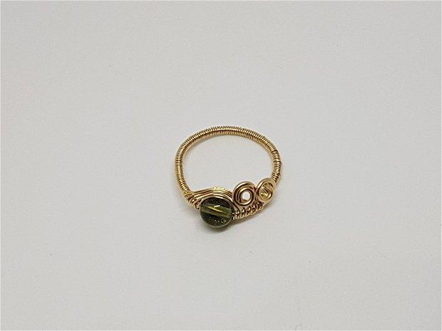 Inel din aur filat , inel cu moldavit.