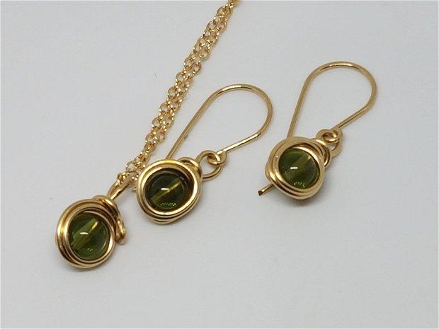 Cercei din aur filat, cercei cu moldavit,cercei handmade.