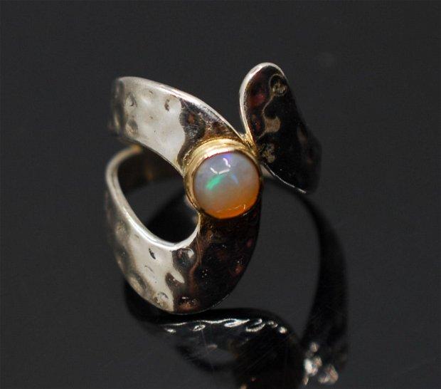 Inel din argint 925 si opal, placat selectiv cu aur