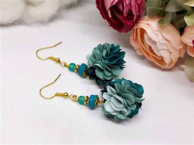 Cercei floral turcoaz