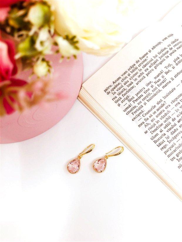 Cercei eleganti roz transparent