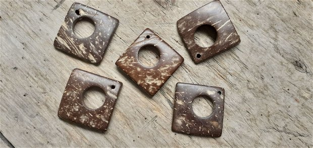 Pandant / romburi din lemn de cocos, 3cm