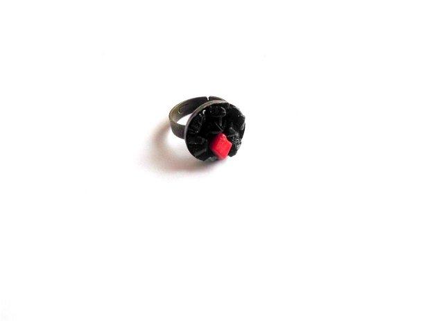 Inel cu turmalina neagra si coral rosu 38953
