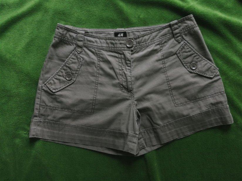 Pantaloni scurti kaki bumbac H&M