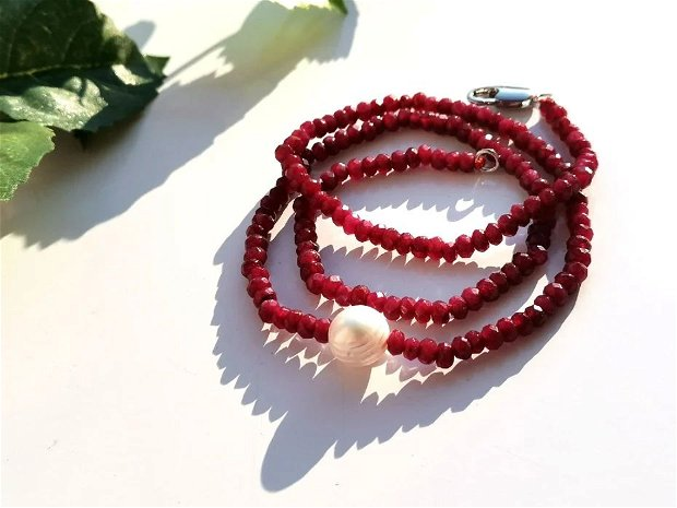 Colier ruby red
