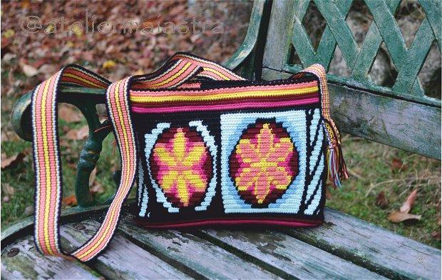 set genti handmade crosetate ornamentate cu motivul popular din Maramures scara matii și soare din petale de flori