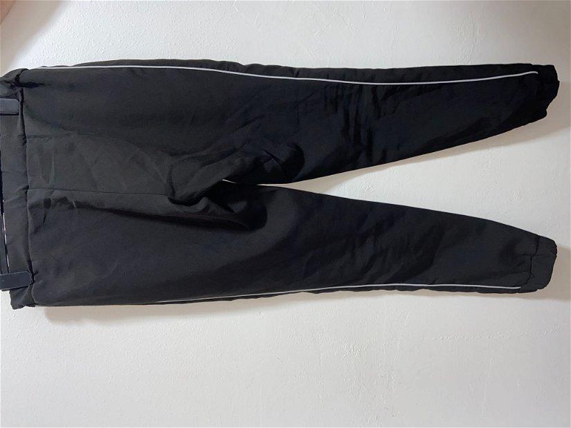 Pantaloni lejeri/sport