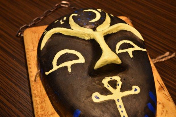 Faraon - mască teatrală lucrată manual