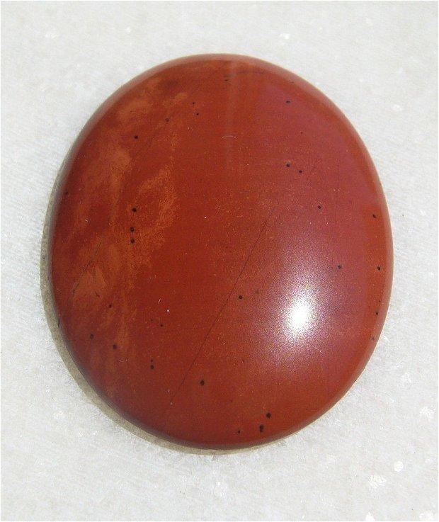 Cabochon jasper rosu aprox 40x30x6 mm
