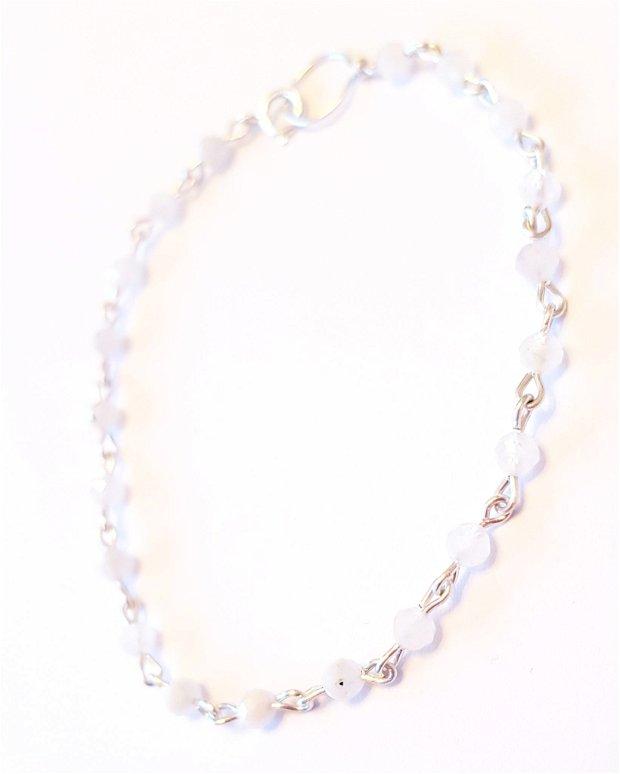 Bratara piatra lunii fatetata si argint 925